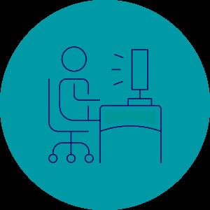 ikona człowieka nakrześle biurowym przedkomputerem, nazielonym tle